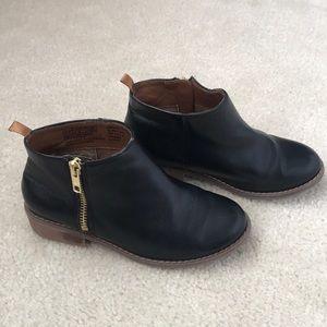 Gap black bootie-Size 13-guc